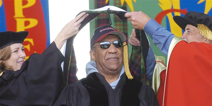 Bill Cosby receives an honorary degree Wearing a tasseled Carnegie Mellon University baseball cap, comedian Bill Cosby received an academic hood for his honorary doctor of humane letters at CMU in 2007.
