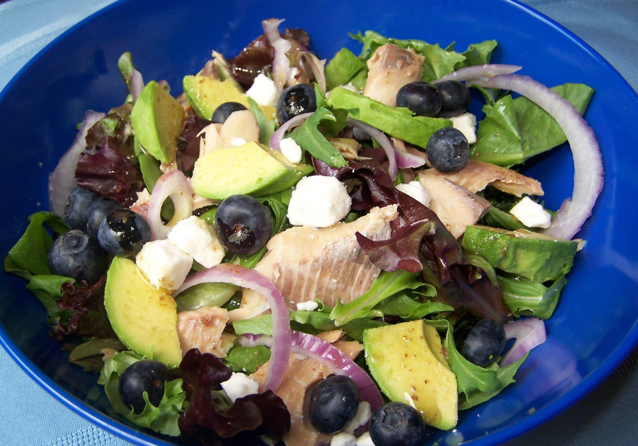 1020140501rsbrainAfood Brain Power Salad.