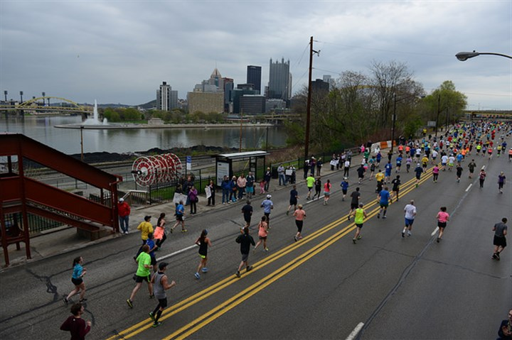 Marathon runners near the Incline Pittsburgh Marathon runners near the Duquesne Incline Sunday morning.