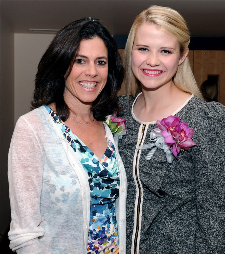 Bethlehem Haven Nancy Cohen with Elizabeth Smart. #SEENbeinspired