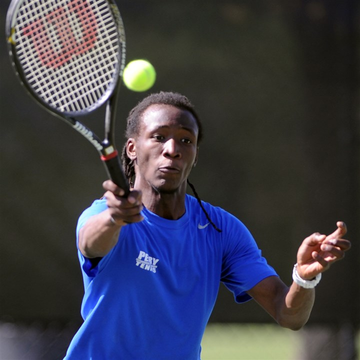 jones0507 Perry's Keron Jones beat Carrick's Tyler Pashel, 2-6, 6-2, 6-2, for the City League boys tennis singles championship Tuesday.