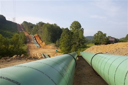 20140514hospectraAbiz Pipelines such as these, belonging to Spectra Energy, are being built in great numbers throughout the country.