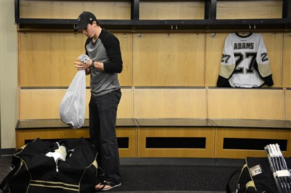 Penguins clean out lockers, acknowledge change is coming