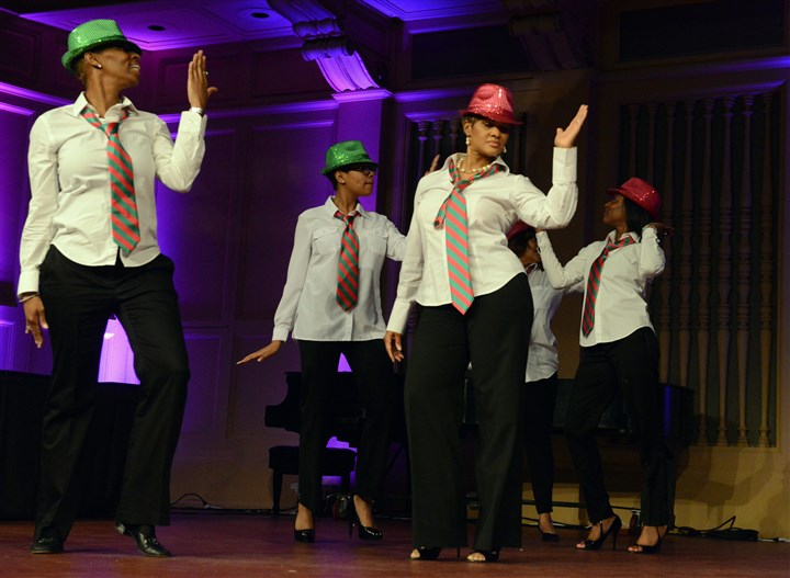 20140516bwNellieSeen08 Les Pink & Green Strolling Dream Team performs. #SEENdanceoff