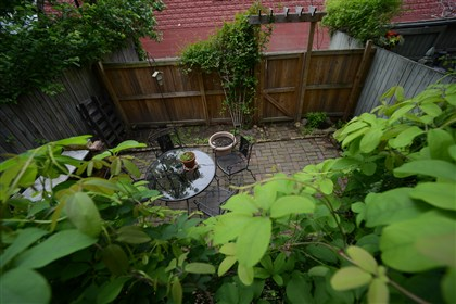 944 West North Avenue - The back patio and garden area. 944 West North Avenue - The back patio and garden area.