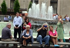 Mellon Square, where people like to sit.