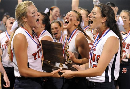 hsquad2 Shaler celebrates winning the WPIAL AAAA Softball Championship against Canon-McMillan, 9-5.