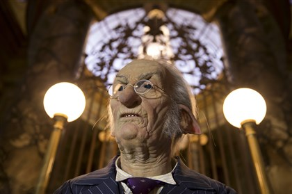 An animatronic goblin banker  An animatronic goblin banker in the Harry Potter and the Escape from Gringotts attraction.