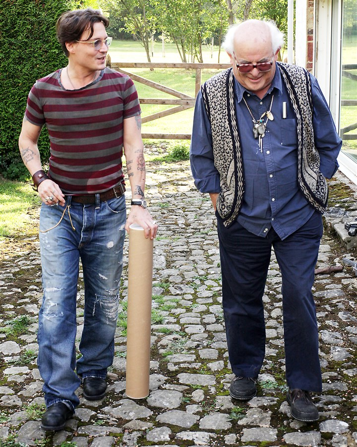 "20140605ForNoGoodReason1 Johnny Depp and Ralph Steadman in ""For No Good Reason."""