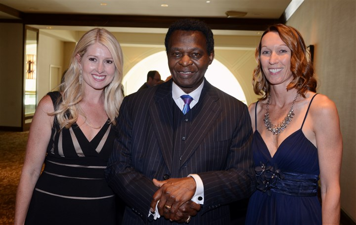 20140606bwFathersSeen04 Amie Campbell, Lou Brock and Carrie Hendrick.