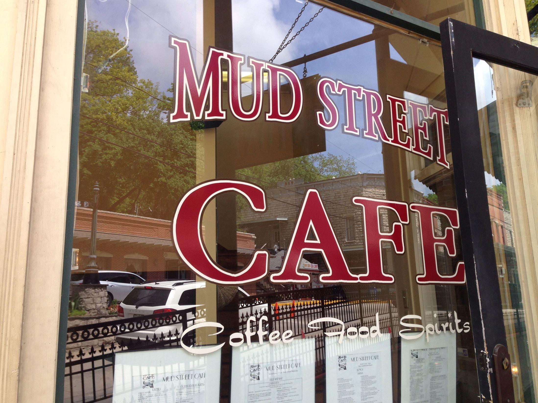 20140611hoMudStStorefront Mud Street Cafe, Eureka Springs, Arkansas.