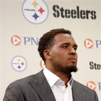 Pouncey061314 Steelers center Maurkice Pouncey tears up while speaking to the media after signing a six-year, $48 million contract at the Steelers South Side training facility on Thursday.
