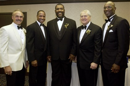 6M200K89-3 Rocky Bleier, from left, Lynn Swann, Joe Greene, Chuck Noll and John Stallworth at Mel Blount's All-Star Celebrity Roast.