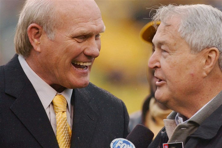 Bradshaw and Noll Steelers Hall of Fame quarterback Terry Bradshaw, left, and former coach Chuck Noll chat before a Steelers game October 2003 at Heinz Field.