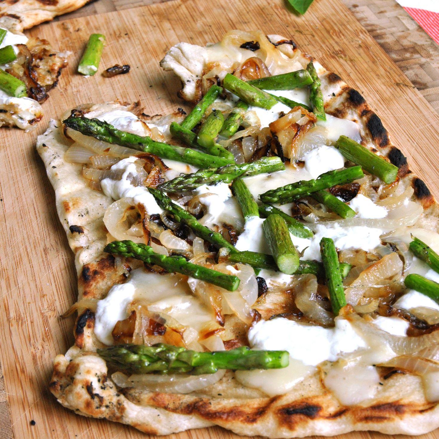 Dearheart recipe Dearheart's Caramelized Onion and Asparagus Pizza
