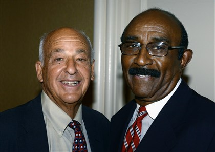 20140621bwSimmsSeen04 Dr. Cyril Wecht and Herman Reid.