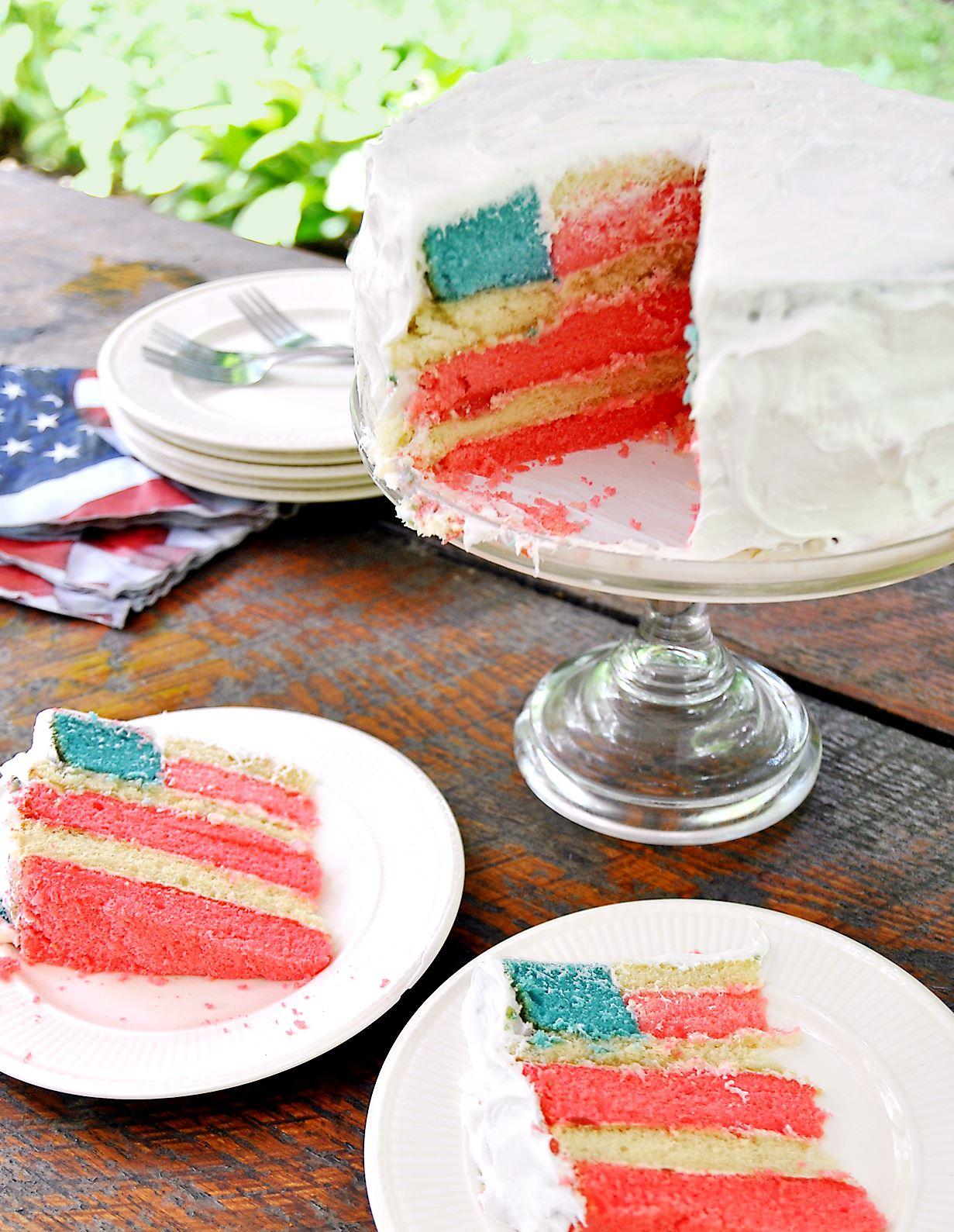 flagcake0626c.jpg-1 American Flag Cake.