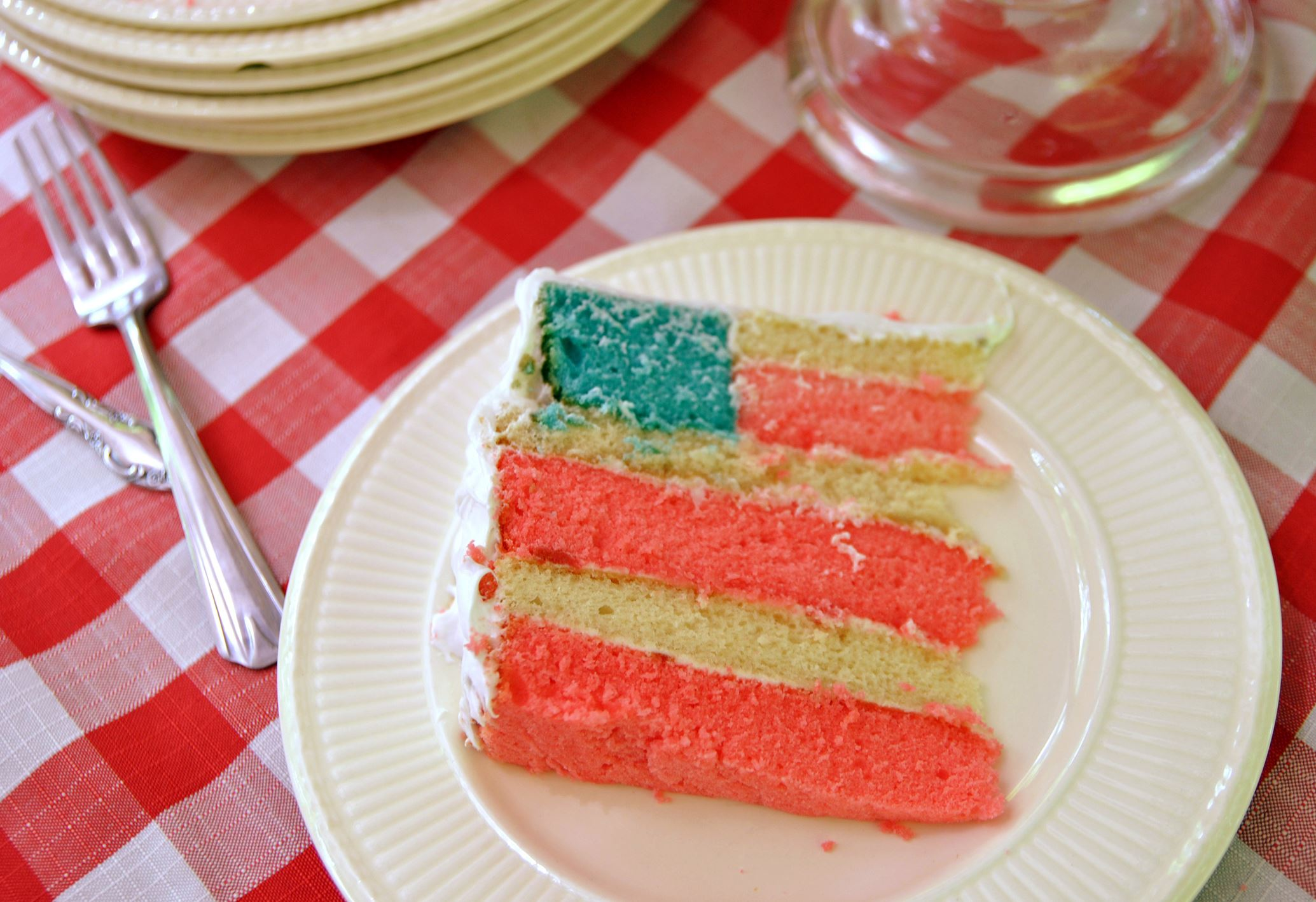 flagcake0626b.jpg Flag cake.