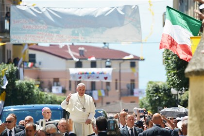 20140624afppopemafiaInatworld Pope Francis greets the crowd as he arrives in Cassano allo Ionio in the southern Italian region of Calabria for a one day visit.