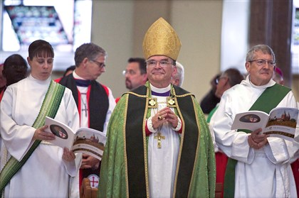 anglican2 Archbishop Robert Duncan and others take part in an opening Eucharist of the assembly of the Anglican Church in North America at St. Vincent Archabbey Basilica in Latrobe.