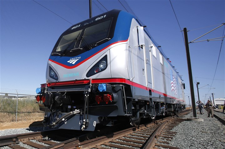 Amtrak to welcome bicycling Bicylists began testing the new roll-on service for Amtrak trains.