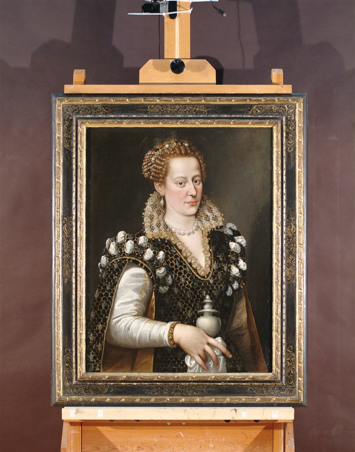 20140625HOCOMATWOmag Attributed to Allesandro Allori, Isabella de' Cosimo I de Medici, c. 1570–1574 oil on canvas (transferred from panel), Gift of Mrs. Paul B. Ernst.