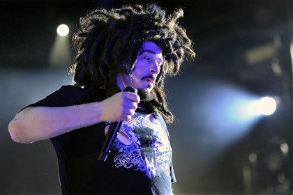 "Counting Crows lead singer, Adam Duritz Counting Crows lead singer, Adam Duritz, opened the concert with ""Round Here."""