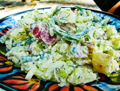 greenbeanPotSalad Dilled Potato and Green Bean Salad.