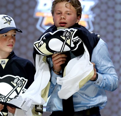 Kasperi Kapanen is selected by the Penguins Kasperi Kapanen is selected twenty-second overall by the Penguins in the first round of the 2014 NHL Draft at the Wells Fargo Center in Philadelphia.