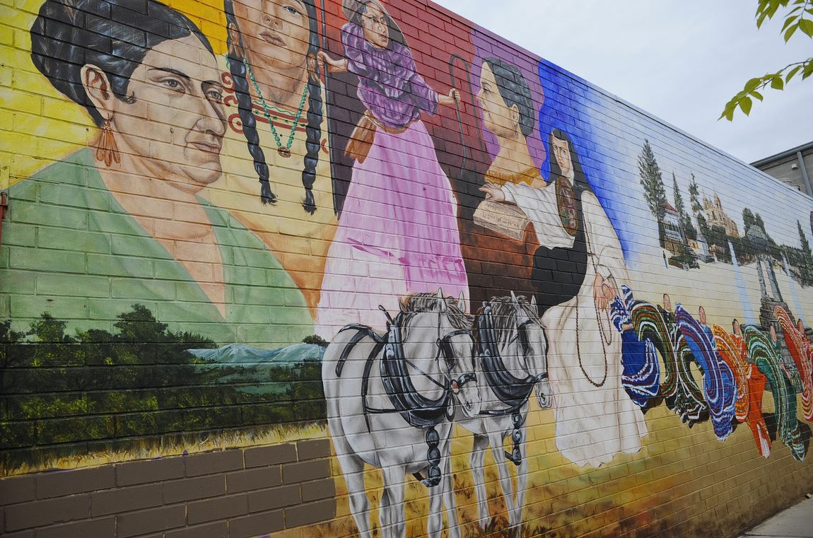 In chicago 39 s pilsen neighborhood the face is changing for 18th street mural