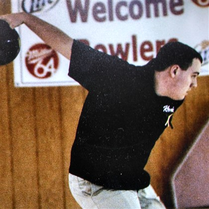 201626hoHindman0703zsports.jpg Kevin Hindman represented Community College of Allegheny County at the NJCAA tournament, where he placed 22nd out of 150 collegiate bowlers.