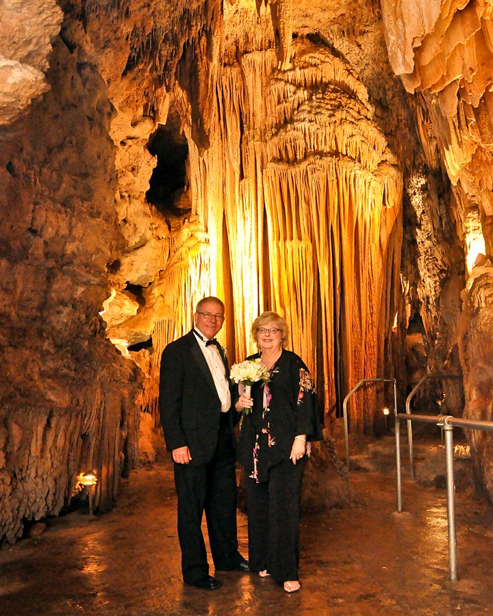 Steve and Susan Pollac in Bridal Cave Steve and Susan Pollack renew their vows on their 41st wedding anniversary in Bridal Cave, Lake of the Ozarks, Mo.