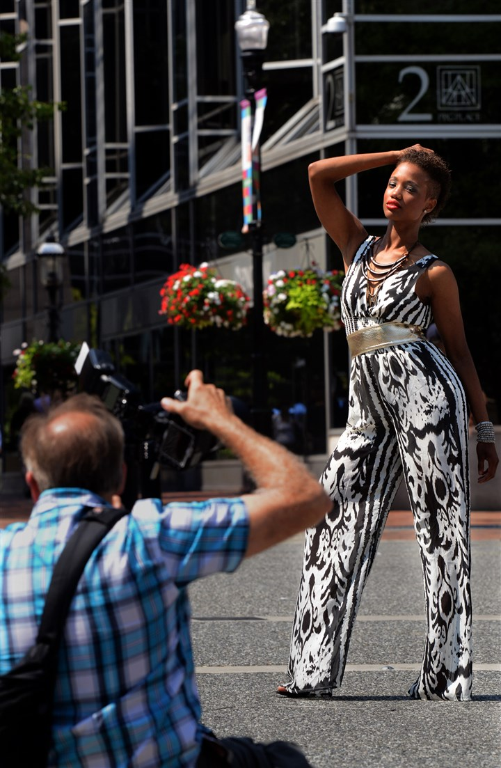 Miyah Knight is photographed by Michael Edwards Miyah Knight is photographed by Michael Edwards, photographer and creative director of Dream Builder Production in North Carolina, during the second annual Style Week Pittsburgh pop-up fashion photo shoot in Market Square.