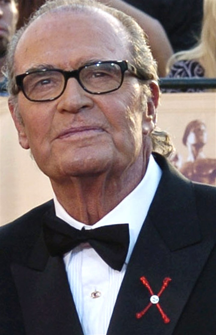 James Garner Obit Actor James Garner arrives for the 11th annual Screen Actors Guild Awards in Los Angeles in 2005. He died Saturday, according to Los Angeles police. He was 86.