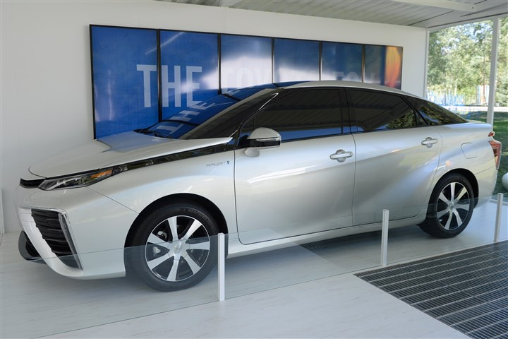 Toyota's Fuel Cell Vehicle (FCV) Toyota's new Fuel Cell vehicle may hit the U.S. shores as early as next year.