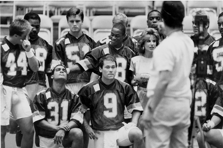 1987gladiatorsCsports The Pittsburgh Gladiators Arena football team prepares for a group photo in June 1987.