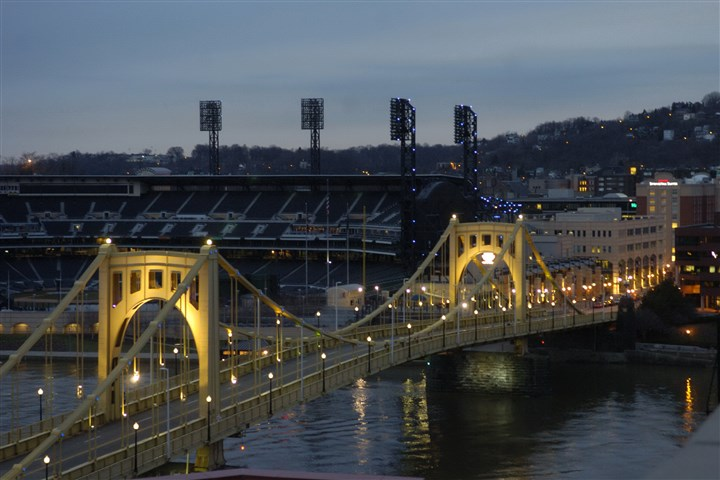 93u00ke3-9 View of the Sixth Street Bridge looking toward the North Side and PNC Park .