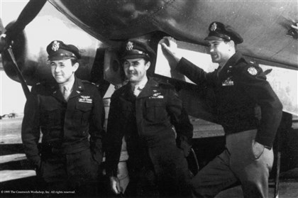 VanKirk3-2 From left: Dutch VanKirk, Navigator; Paul Tibbets, Pilot; Tom Ferebee, bombardier.