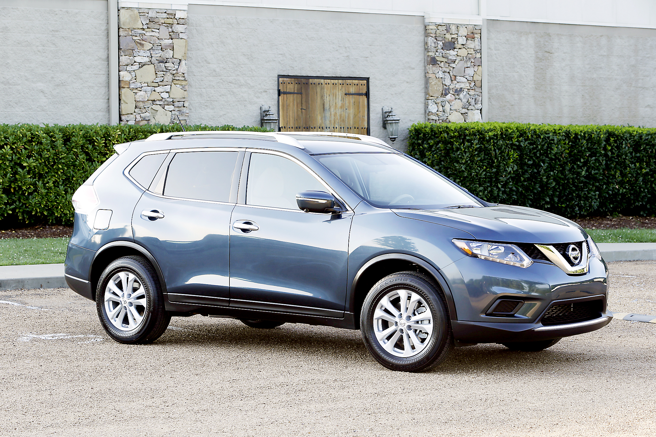 driver 39 s seat review of the 2014 nissan rogue sv awd pittsburgh post gazette. Black Bedroom Furniture Sets. Home Design Ideas