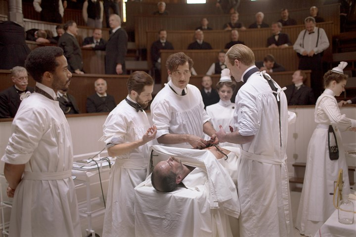 "20140730hoowen0807mag  Andre Holland, Michael Angarano, Clive Owen, Louis Butelli, Eve Hewson, Eric Johnson in ""The Knick."""