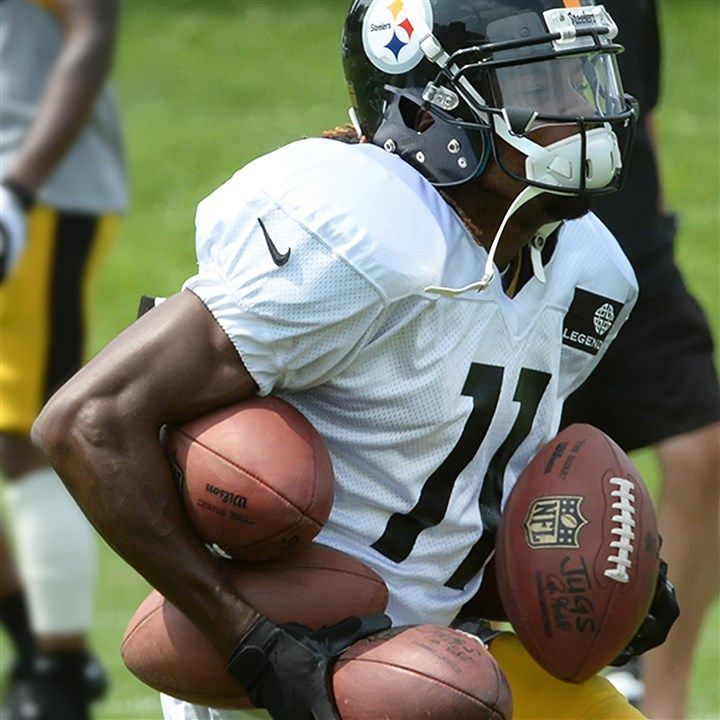 20140731pdSteelersSports03-1 Steelers wide receiver Markus Wheaton just can not pull in ball number 5 during workouts last month at St. Vincent College, in Latrobe, Pa.