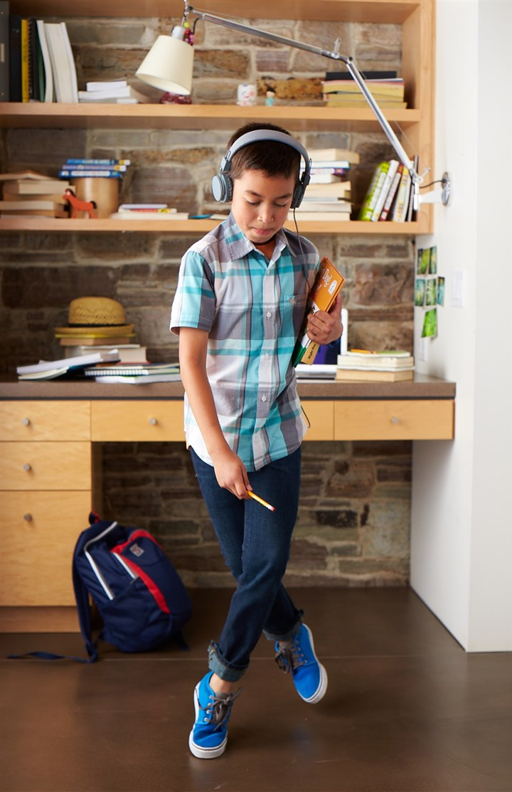 Old Navy plaid for back to school Along with reading, writing and arithmetic, plaid is a staple for back to school. Keep it fresh with fun colors, including orange, blue, gray and signature red, for shirts and even shirt dresses. Find a wide selection of both at Old Navy.
