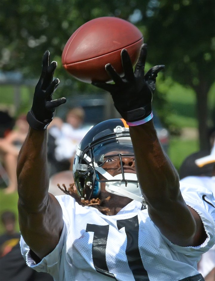 20140804pdSteelersSports05 Markus Wheaton makes a catch during workouts earlier this month at St. Vincent College in Latrobe.