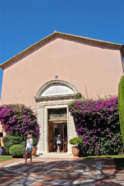20140812psStTropezMag (2)-1 The Musee de L'Annonciade, which is home to works by Henri Matisse, Paul Signac and others who loved the light and colors of St. Tropez..