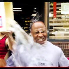 lynnswannicebucket1 Former Steeler receiver Lynn Swann takes the Ice Bucket Challenge earlier this week and challenges Troy Polamalu to take it, too.