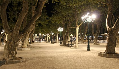 20140813psStTropezB (4)-3 St. Tropez's Place des Lices at night.