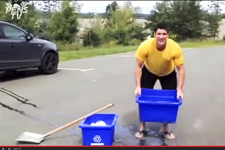 Sid crosby with ice bucket challeng Sid Crosby with ice bucket challenge video.
