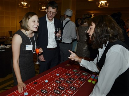 20140814bwSistersSEEN04-9 Karen Galor and Ben Sitter play roulette with Bonnie Trucco.