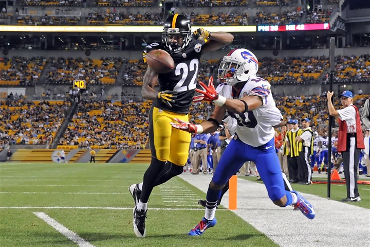 20140816mfsteelerssports12 The Bills' Robert Woods can't pull in the ball in bounds against the Steelers' William Gay in the second quarter at Heinz Field.