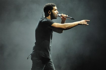 20140817DARDrakePerformsLWVDLocal04-2 Rapper Drake performs Sunday at First Niagara Pavilion.